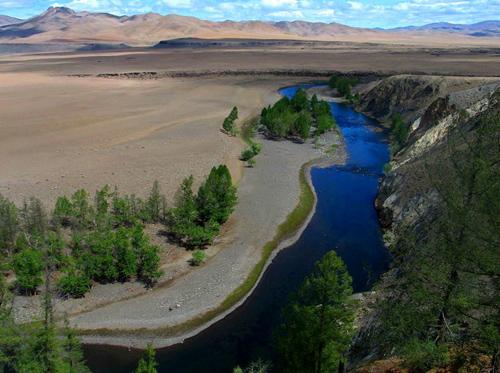 Река Орхон, на берегах которой располагался центр империи Чингиз-хана